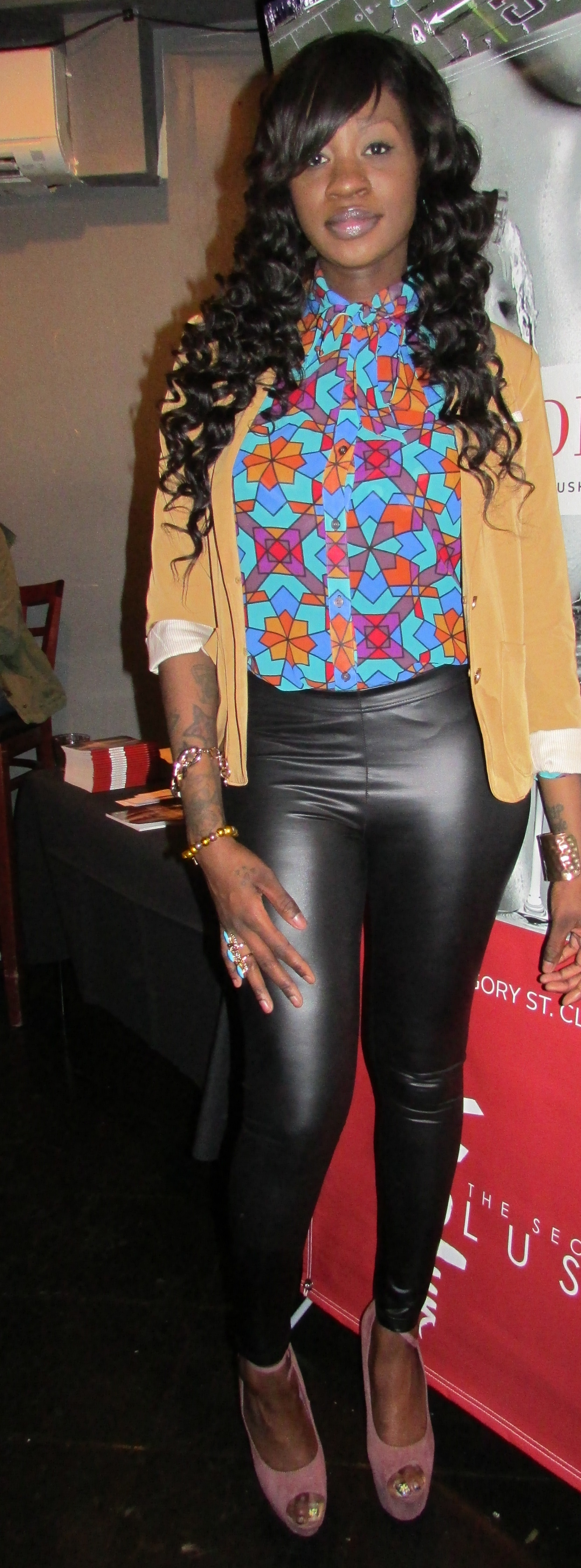Yaninikita of Bourgeois Rebellious, I can't wait to shop her items!